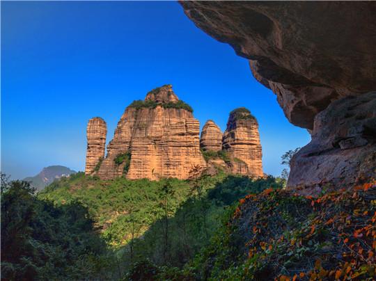 《茶壶峰》摄影:刘加青.jpg